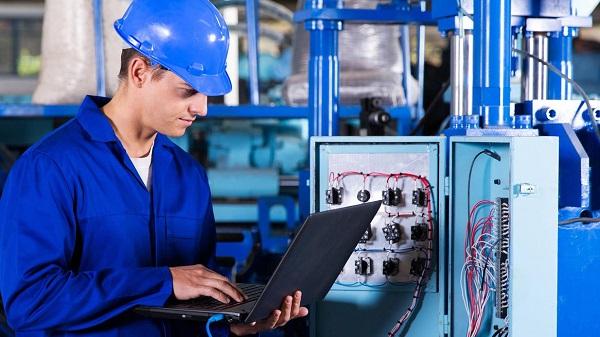 Új pályázati lehetőség - Innovatív munkahelyek és képzett munkaerő biztosítása támogatására.